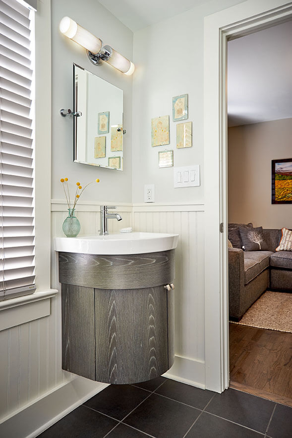Wilhoite Homestead guest bath vanity